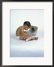 resize-of-pf_1971458baby-reading-newspaper-posters
